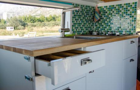 Dory kitchen